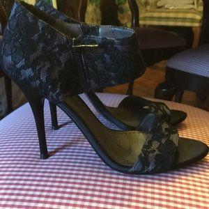 Nordstrom bp Platinum lace heels